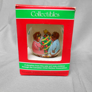 Collectibles Christmas tree ornament bear theme